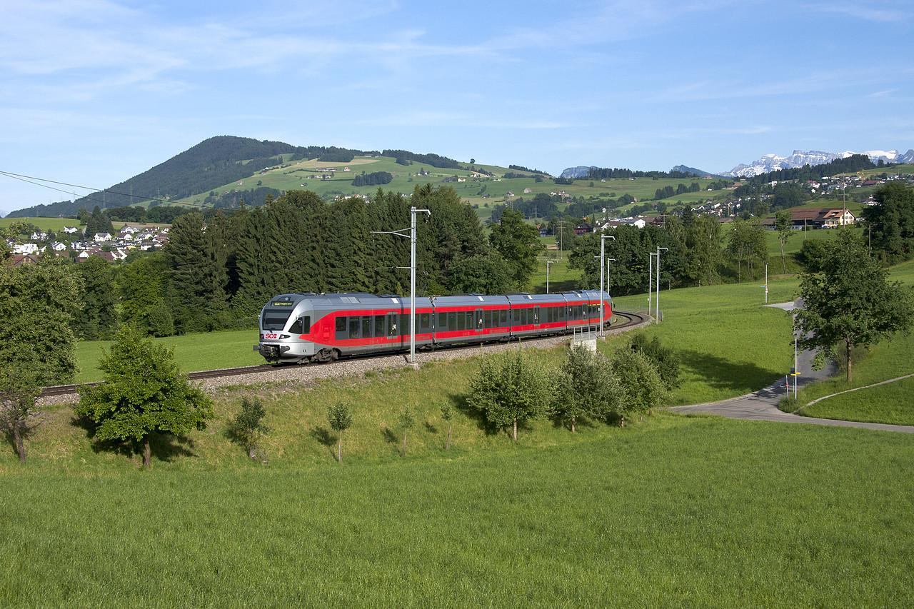 Ungewhliche Farbtupfer auf der SOB | Zug - Pinterest